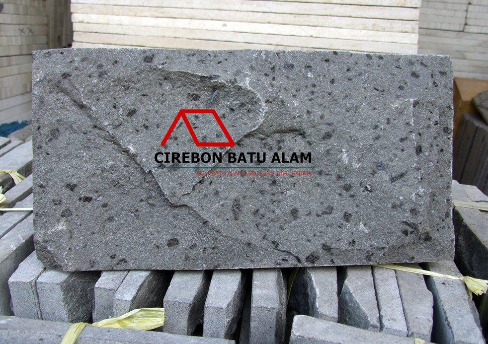 Batu Alam Andesit RTA (Rata Alam)