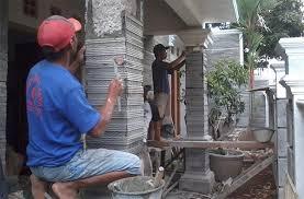 Pemasangan Batu Alam untuk Pilar Rumah