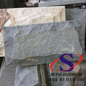 Batu Andesit Rata Alam